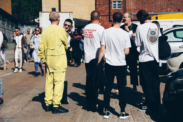LFWM_0097Photography: Nobuko Baba | Edit: Ryoko Kuwahara | Streetsnap, London