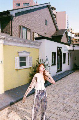 Fiction6 Photography : Satomi Yamauchi | styling Yumi Nagao | Hair : Takao | Make-up : Yousuke Toyoda | Edit : Ryoko Kuwahara