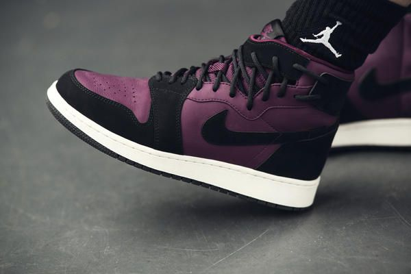 03C_WMNS_AJ1_REBEL_BORD-0033_HFR1_native_600