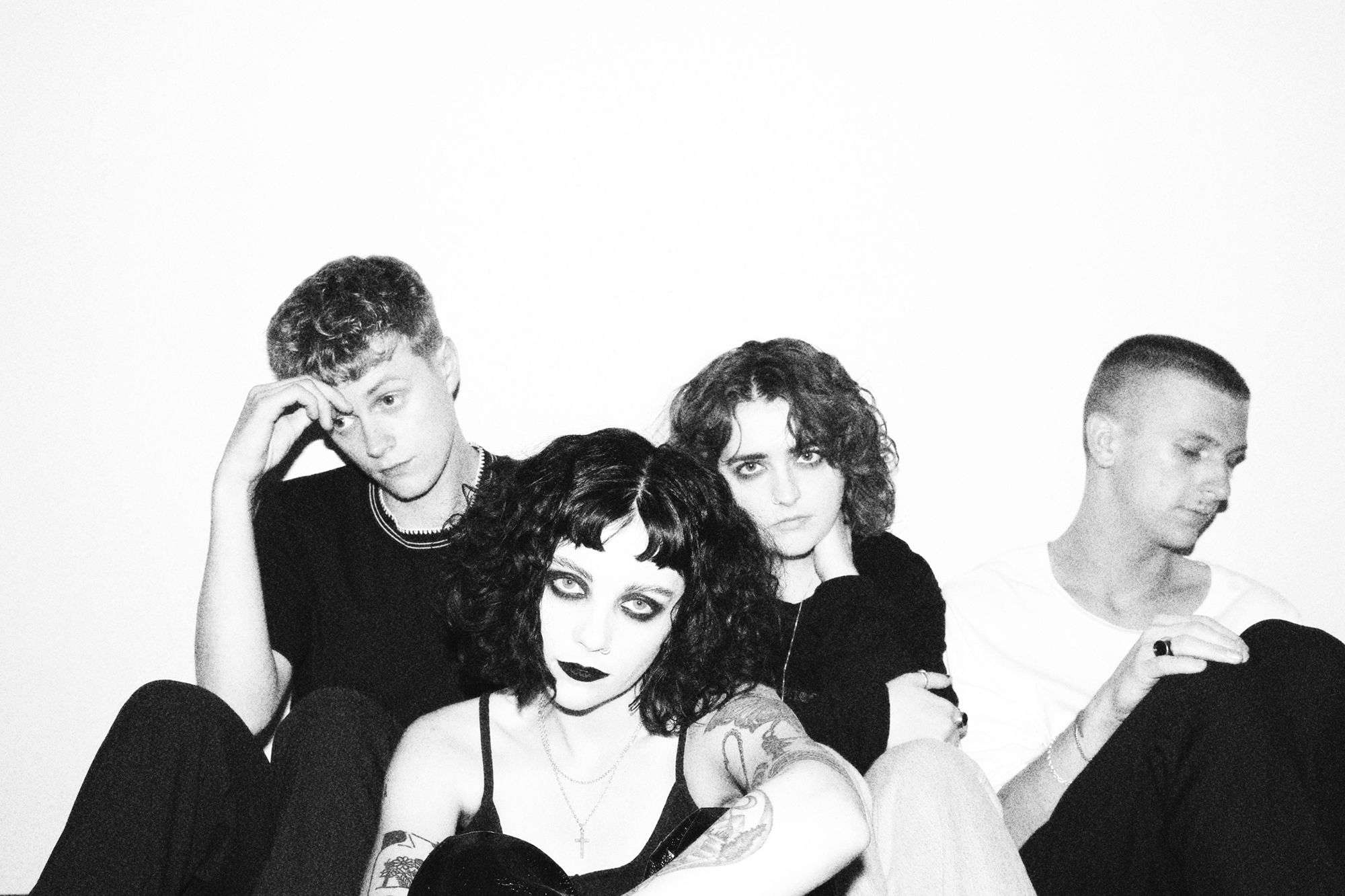 interview with pale waves about my mind makes noises
